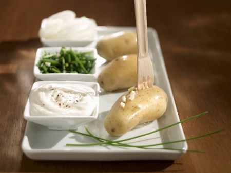 Gekochte Kartoffeln mit Quarkdip (Bibeleskäs)
