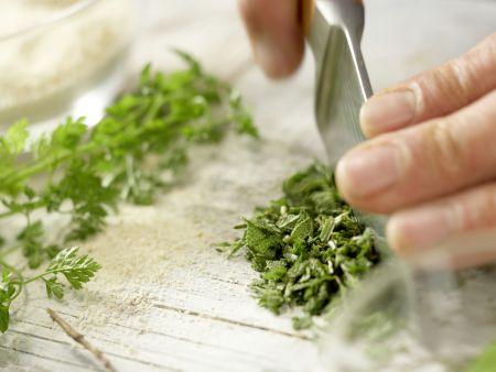 Gekräuterte Hähnchenschnitzel: Zubereitungsschritt 1