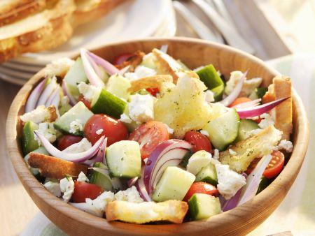 Gemüse-Brotsalat