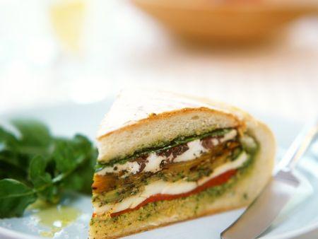 Gemüse-Mozzarella-Sandwich