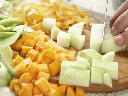 Gemüse-Reis-Pfanne aus dem Ofen: Zubereitungsschritt 1