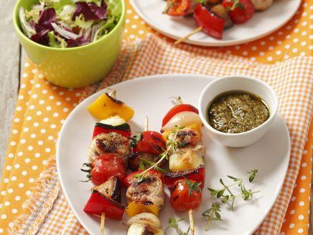 Rezept: Gemüse-Puten-Spieße mit Pesto