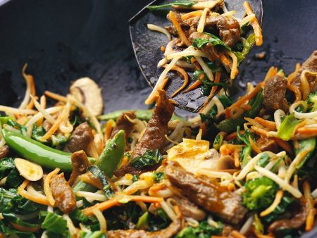 Gemüse-Wok mit Rindfleisch