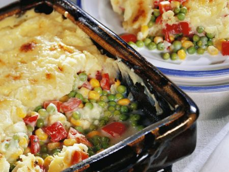 Gemüseauflauf mit Kartoffelpüreehaube