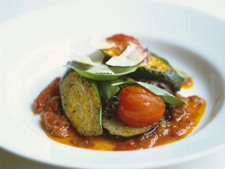 Gemüseeintopf auf provenzalische Art mit Parmesan (Ratatouille)