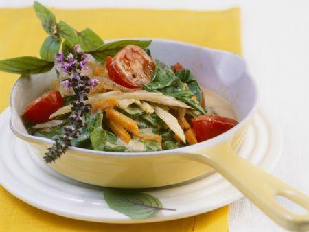Gemüsepfanne mit Mangold und scharfer Kokossoße