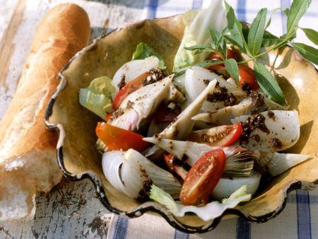 Gemüsesalat mit Olivencreme (Tapenade)