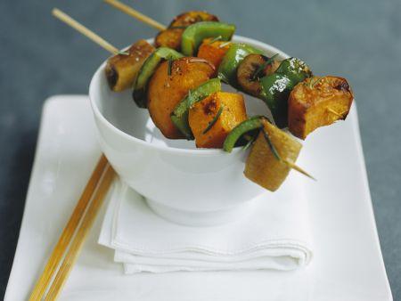 Gemüsespieß mit Kürbis und Paprika