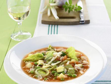 Gemüsesuppe mit Reis auf italienische Art