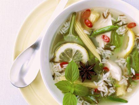 Rezept: Gemüsesuppe mit Reis und Zitrone