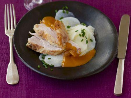 Gepökeltes Fleisch auf österreichische Art (Innviertler Surbratl) dazu Rettichsalat