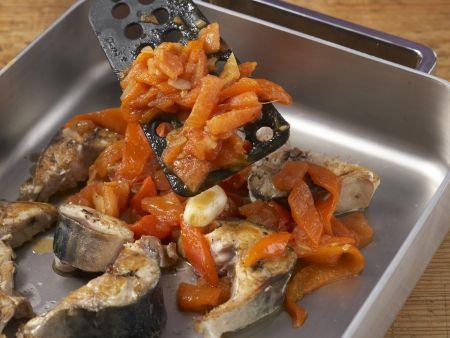Geschmorte Makrele mit Paprika: Zubereitungsschritt 10