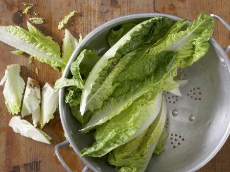 Geschmorter Römersalat: Zubereitungsschritt 1