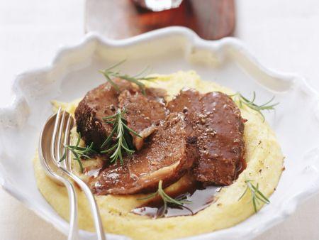 Geschmortes Roastbeef mit Rotwein (Barolo)