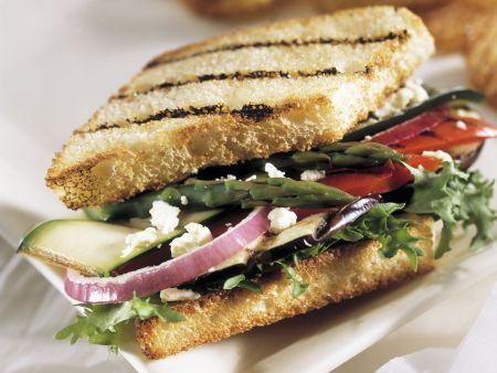 Getoastetes Gemüsesandwich