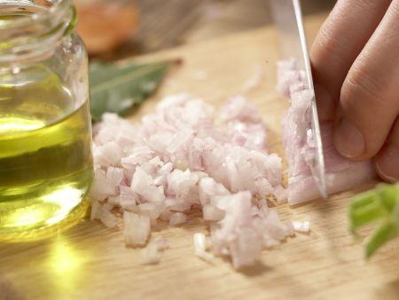 Getrüffelte Beluga-Linsen: Zubereitungsschritt 1