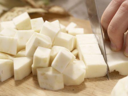 Getrüffeltes Selleriepüree: Zubereitungsschritt 1