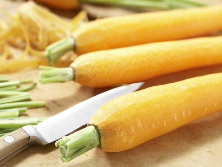 Glasierte Honig-Möhren: Zubereitungsschritt 1