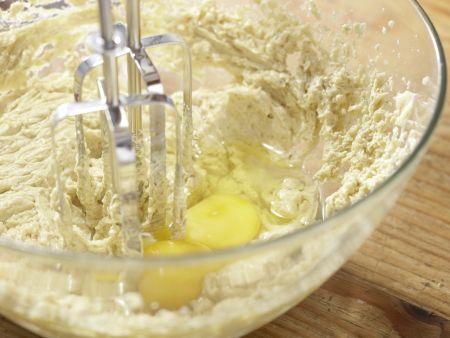 Glasierter Pfirsichkuchen: Zubereitungsschritt 2