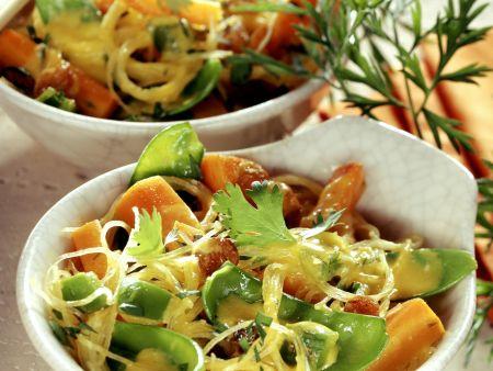 Glasnudeln-Karotten-Pfanne aus dem Wok