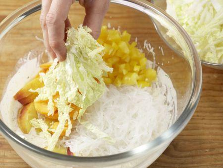 Glasnudelsalat mit Putenfilet: Zubereitungsschritt 8