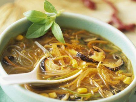 Rezept: Glasnudelsuppe mit Mais und Shiitake