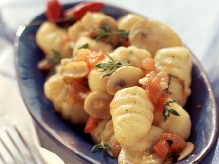 Gnocchi mit scharfer Pilz-Tomaten-Soße