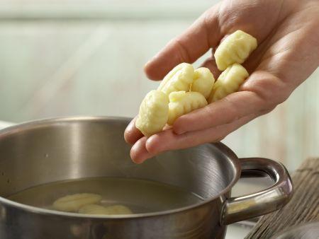 Gnocchi-Zucchini-Pfanne: Zubereitungsschritt 2