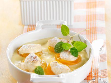 Gratinierte Aprikosen mit Marzipanfüllung auf Vanillecreme