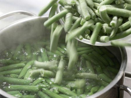 Gratinierte grüne Bohnen: Zubereitungsschritt 1