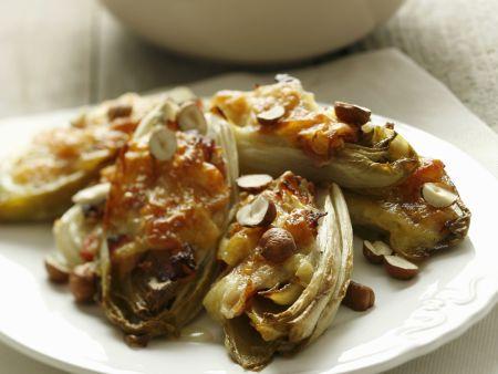 Gratinierter Chicorée mit Pancetta und Nüssen