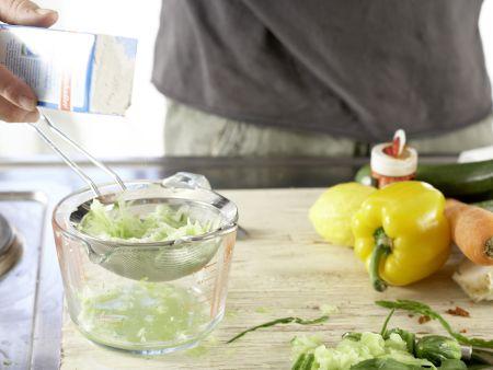 Griechische Gemüsepfanne: Zubereitungsschritt 2