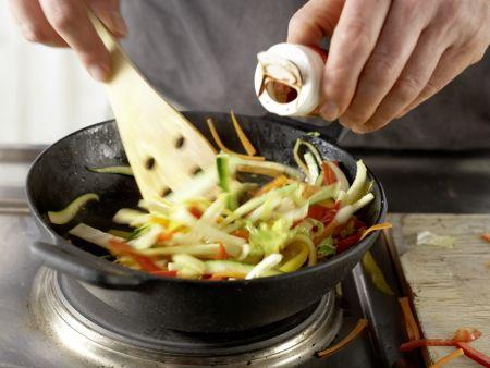 Griechische Gemüsepfanne: Zubereitungsschritt 6