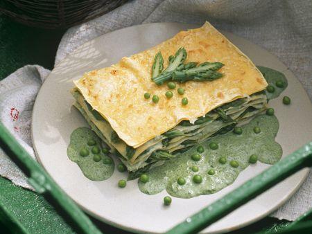 Grüne Lasagne mit Erbsen und grünem Spargel