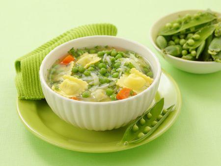 Rezept: Grüne Minestrone mit gefüllten Nudeln