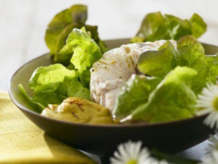 Grüner Salat mit Aioli und Seelachsfilet