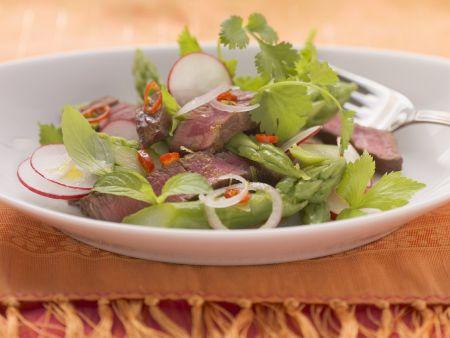 Grüner Spargel-Rindfleisch-Salat