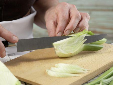 Grünes Gurkengemüse: Zubereitungsschritt 2