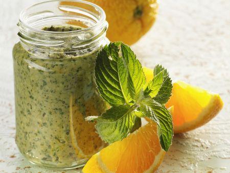Rezept: Grünes Pesto mit Orange