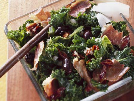 Grünkohlsalat mit Schinken und Parmesan