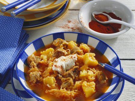 Gulasch mit Sauerkraut (Szegediner)
