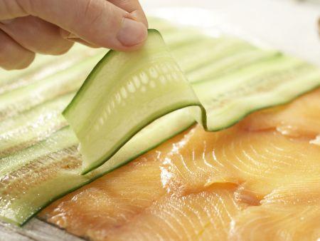 Gurken-Lachs-Rouladen: Zubereitungsschritt 7