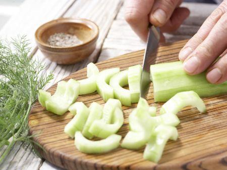 Gurkengemüse mit Schinken: Zubereitungsschritt 2