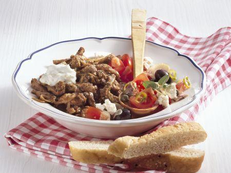 Gyros mit Zaziki und Tomatensalat
