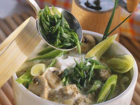 Hackfleisch-Pilz-Suppe mit Lauch und Schmelzkäse