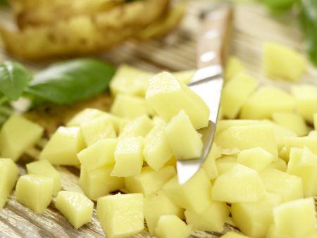 Hähnchen-Kartoffel-Salat: Zubereitungsschritt 7