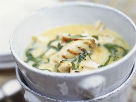 Hähnchen-Kokossuppe mit Ingwer