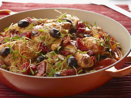 Hähnchen mit Oliven und Paprika auf baskische Art