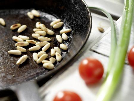 Hähnchen-Nudelsalat: Zubereitungsschritt 1
