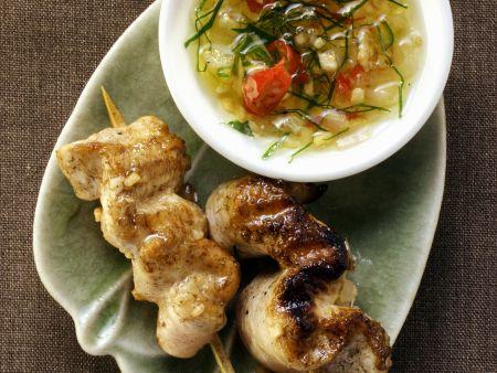 Rezept: Hähnchen-Saté mit scharfem Dip